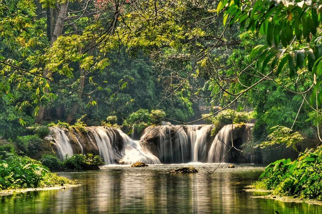 Picture of waterfalls